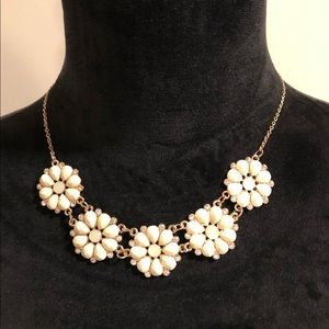 H&M flower necklace